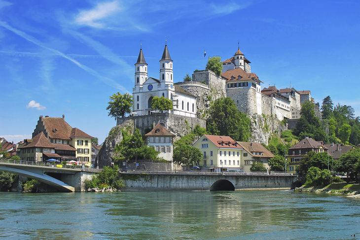 Name:  Zurich.jpg Views: 198 Size:  94.2 KB