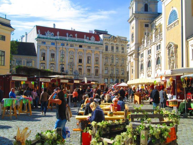 Name:  b3ff16dbf2badd816e68158ebe01d986--vienna-austria-beautiful-places.jpg Views: 85 Size:  86.3 KB