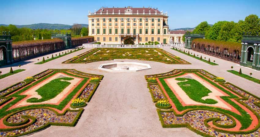 Name:  d-GTI-Austria-Vienna-Schonbrunn-Palace.jpg Views: 82 Size:  80.6 KB