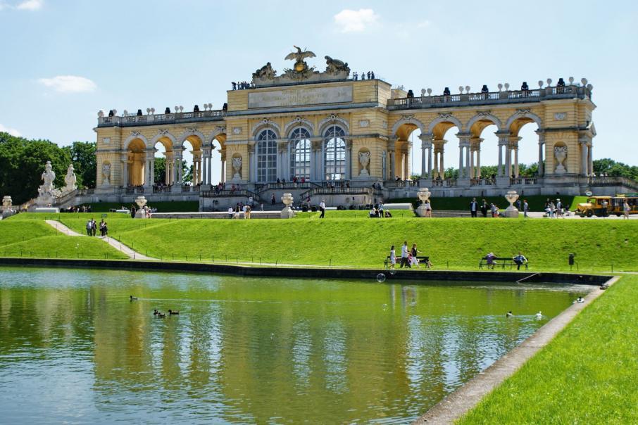 Name:  Gloriette-in-Schoenbrunn-Palace-park-in-Vienna-Austria.jpg Views: 80 Size:  98.7 KB