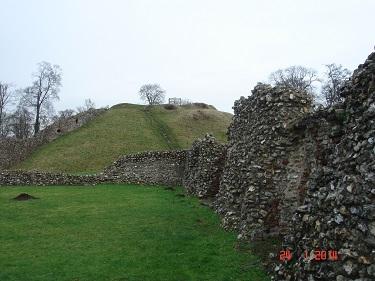 Name:  Berkhamsted Castle 2.jpg Views: 203 Size:  53.2 KB