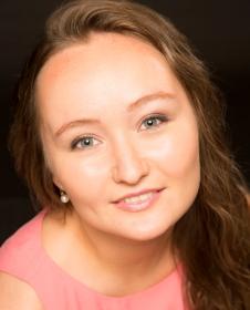 Name:  Julia Lezhneva - photo credit decca simon fowler.jpg Views: 69 Size:  44.6 KB