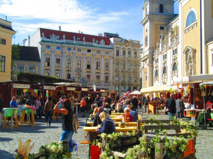 Name:  b3ff16dbf2badd816e68158ebe01d986--vienna-austria-beautiful-places.jpg Views: 113 Size:  86.3 KB