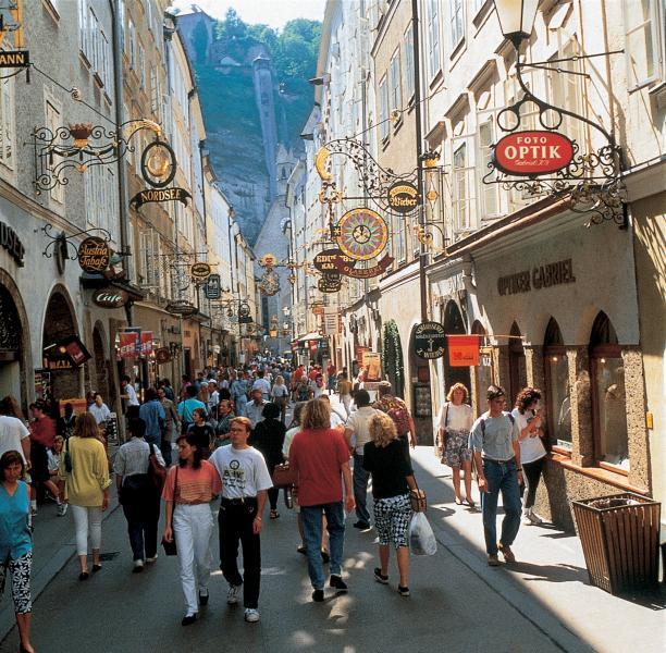 Name:  Salzburg-AUSTRIA-1-Getreidegasse-shopping-street.jpg Views: 83 Size:  98.4 KB