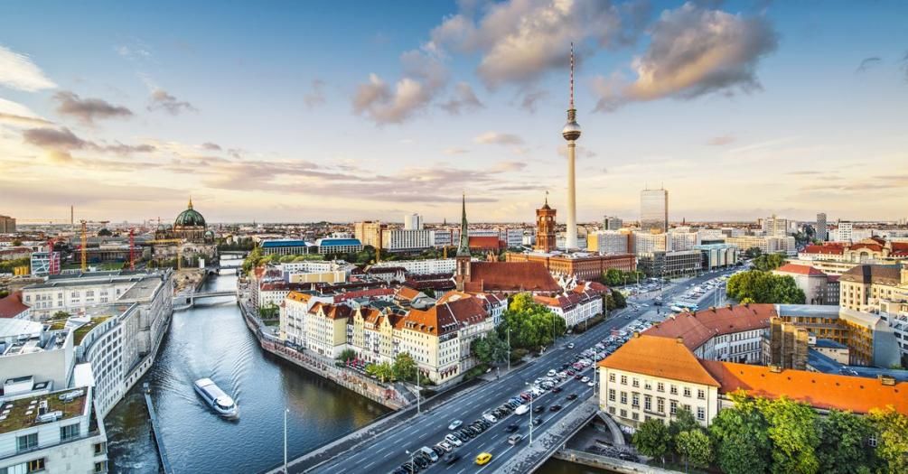 Name:  berlin-germany-viewed-from-above-the-spree-river-image-id-158274767-1423757374-daNh.jpg Views: 140 Size:  102.6 KB