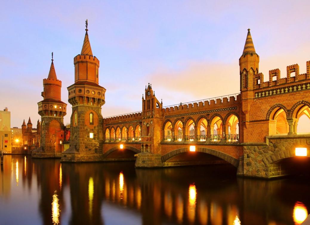 Name:  Berlin-Oberbaum-bridge-in-Berlin-Germany.jpg Views: 139 Size:  90.2 KB