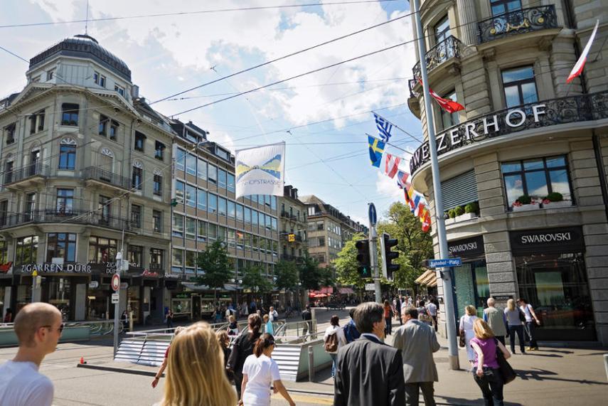 Name:  bahnhofstrasse-zurich.jpg Views: 207 Size:  100.0 KB