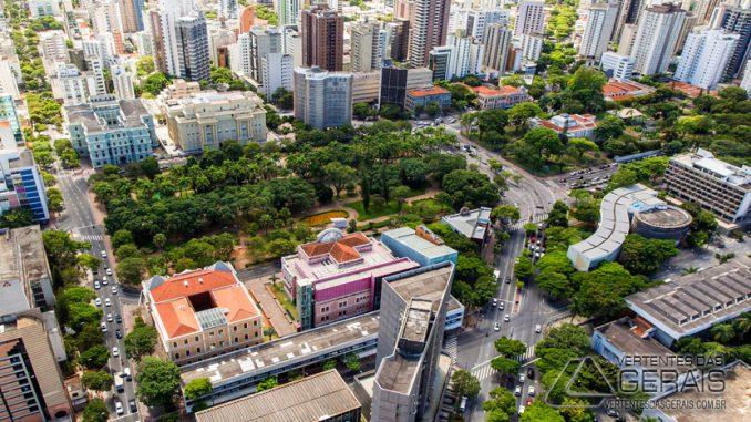 Name:  Praça-da-Liberdade-em-Belo-Horizonte-foto-IEPHAl-678x381.jpg Views: 40 Size:  97.0 KB